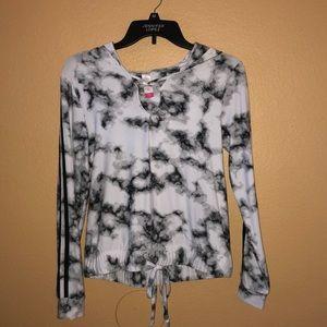 long sleeve top w/hoodie